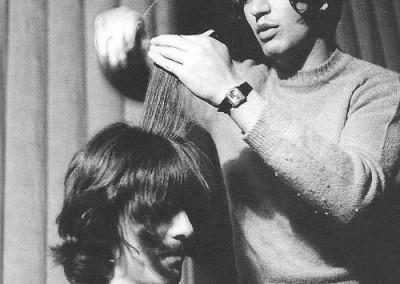 Leslie Cavendish cutting George Harrisons hair at Abbey Road Studio