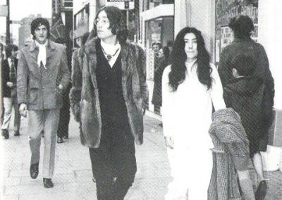 John Lennon & Yoko Ono walking to the Apple shop on the Kings Road, Chelsea, London